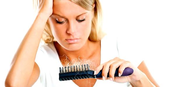 Віпадання волосся у жінки: причини, діагностика та догляд за ослабленим волоссями